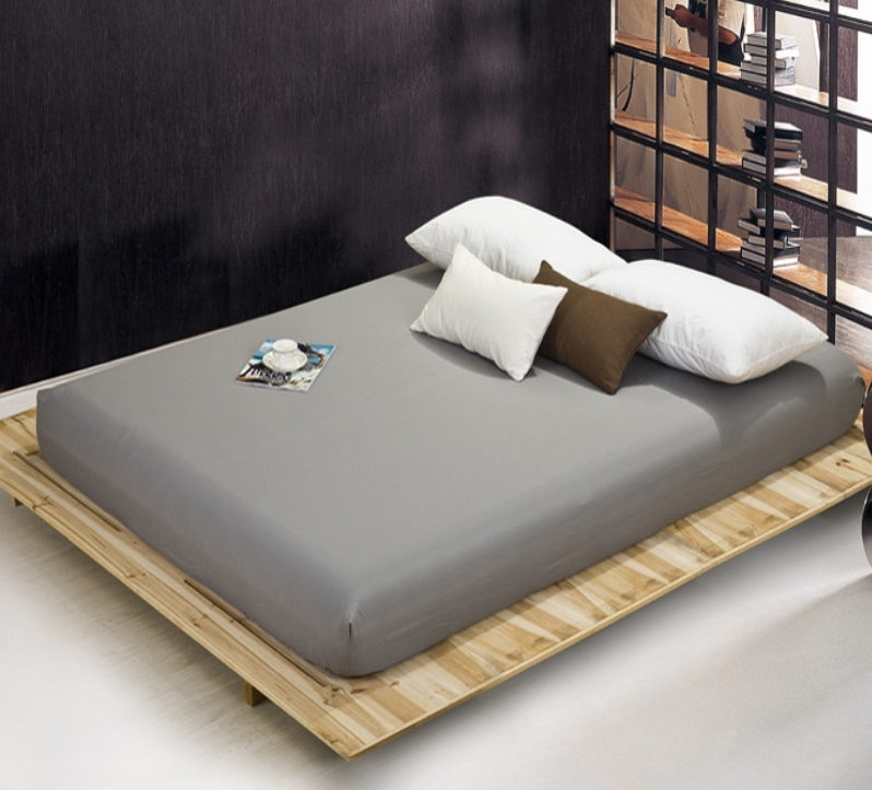 Grey bed sheet_conew1