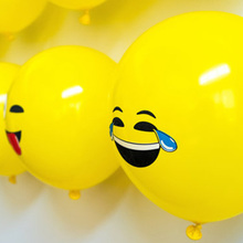 20 pcs/lot 12inch emoji latex balloons ballons expression ballon birthday party Emoticons helium ballon(China)