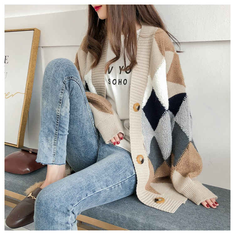 Colorfaith Women's Sweaters Autumn Winter 19 fashionable Casual Plaid V-Neck Cardigans Single Breasted Puff Sleeve Loose SW658 4