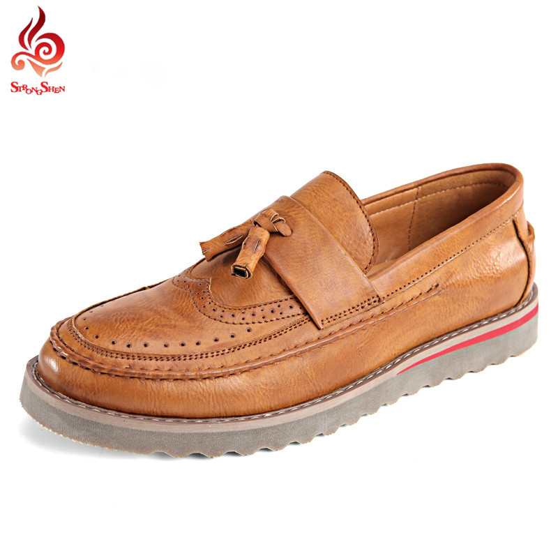 Men Loafers Retro British Oxford Shoes Carved Leather Flats Slip On Moccasins Bullock Business Casual Men Flats 6318<br><br>Aliexpress