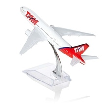 Model Plane Brazil TAM Airline Boeing 777 16cm Linhas Aereas Alloy Airplane Birthday Gift