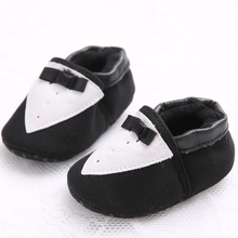 2015 Fashion New Style New Born Princess Baby Shoes Black and White Mixed Colors Soft Bottom Hot Selling Baby Sneakers