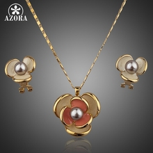 AZORA Classic Gold Color Flower Design Clip Earring and Pendant Necklace Set TG0023(China)