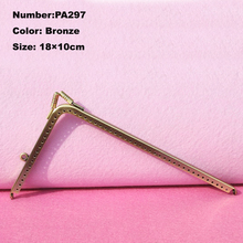 PA297 Purse Frame Hanger Embossing Triangle 18cm Bronze Metal Clasps Purses Accessories Handles Handbags Diy Bag Parts