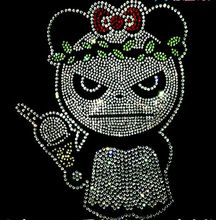 2pc/lot Beauty panda hot fix rhinestone transfer motifs iron on rhinestone motifs applique patch sticker products(China)