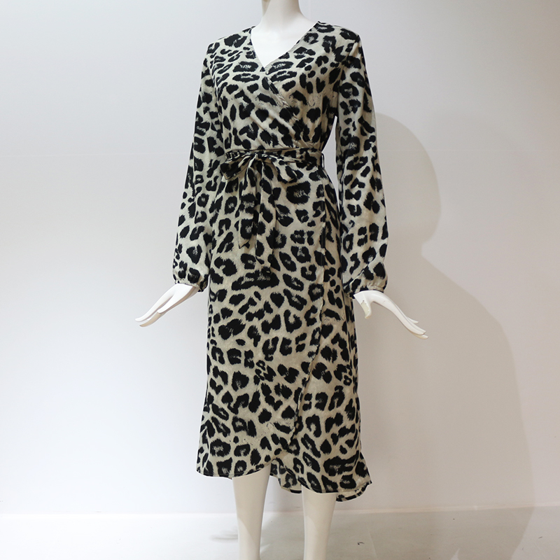 Aachoae Leopard Dress 2020 Women Vintage Long Beach Dress Loose Long Sleeve V-neck A-line Sexy Party Dress Vestidos de fiesta