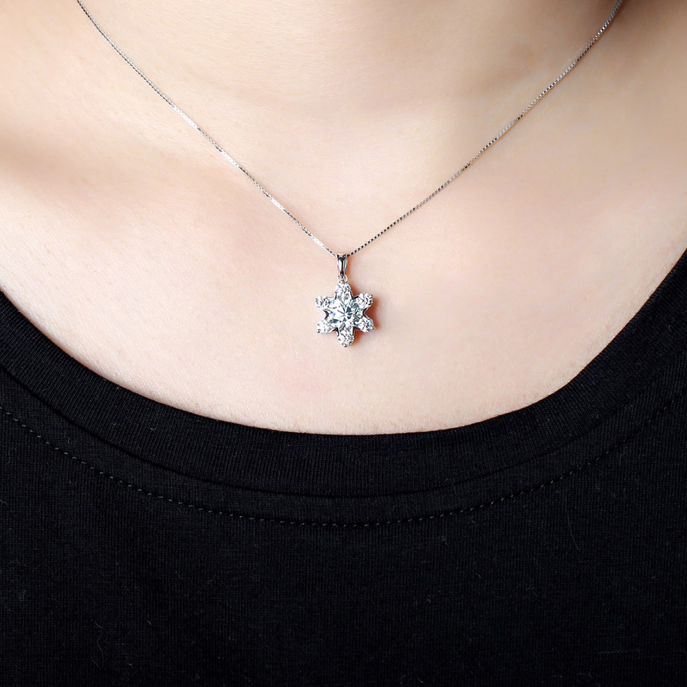 flower shape moissanite brilliant gemstone necklace (7)