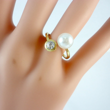 10Pcs Women Gold Stainless Steel Imitation Pearl Rings Engagement Prong Setting Zirconia Ring Woman Jewelry LR377(China)