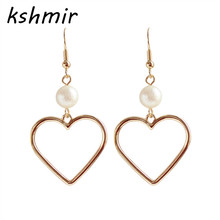 Contracted temperament pearl golden earrings female hearts in love Popular girls hearts earrings The girl a birthday present