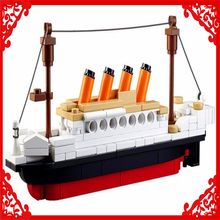 SLUBAN 0576 RMS Titanic ShipTitanic Boat Building Block 194Pcs DIY Educational  Toys For Children Compatible Legoe