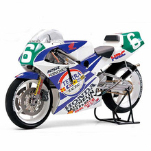 Assemble motorcycle model 14110 1/12 HONDA NSR250 90