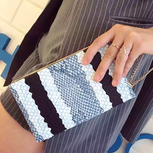 2016 New arrival unique design fashion snakeskin pattern zipper mini clutch evening bag chain wallet purse party handbags(China)