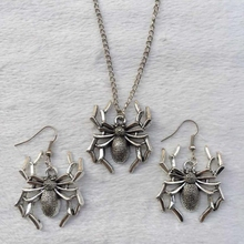 New Hot 10 Set/Lot Ancient Silver Spider Charm Pendant Necklace&Earring Set Women Jewelry Findings Gift Free Shipping K366