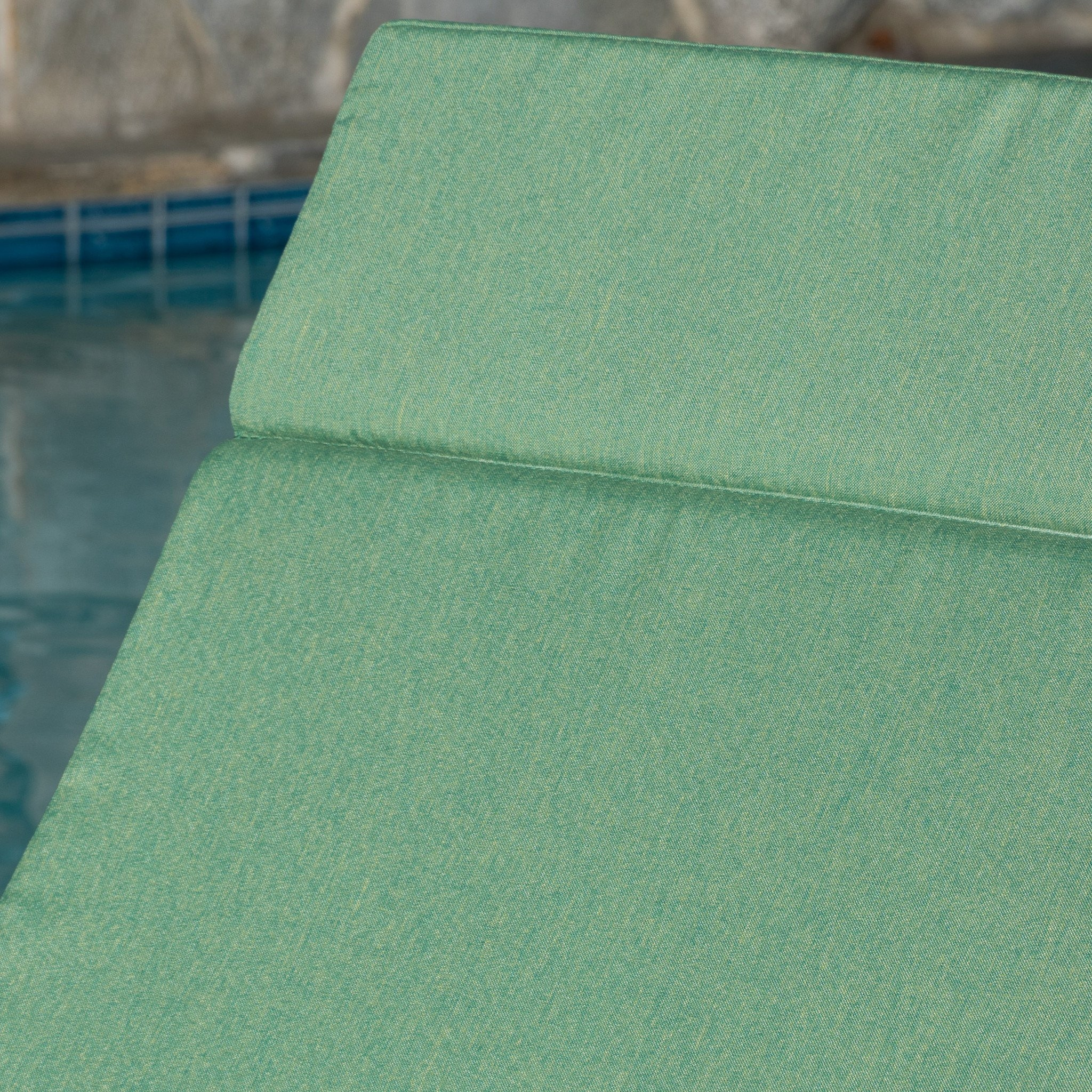 Nassau Outdoor Grey Wicker Adjustable Chaise Lounge with Jungle Green Cushion (1)
