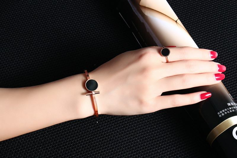 Meaeguet Rose Gold Color Women's Simple Rings Stainless Steel Black Stone Finger Ring Fashion Cocktail Jewelry (4)