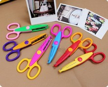 1 PCS Handmade DIY Photo Album Metal and Plastic Scrapbooking Photo Scissors Kids Toy  Laciness Scissors 6 Styles for Choose