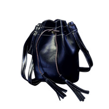 Hot Women Famous Brand PU Leather Bucket Shoulder Bag Lady Vintage Tassel Drawstring Messenger Hobo Bag Purse Satchel Femininas