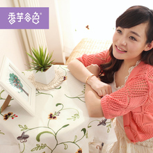 Chinese Tranditional Handmade Embroidered Tablecloth Flowers And Leaves White Tablecloth