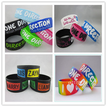 25pcs/lot Promotion! One Direction What Makes You Beautiful So in Love With 1D Name Mix Design Silicone Wristband(China)