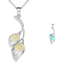 Magic color Glowing Double Leaf Pendant Necklace Luminous Glowing Stone Necklace Glow In The Dark Necklace Women jewelry(China)