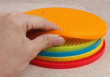 Silicone Pot Holder Non Slip Round Mat Heat Resistant Hot Pads Coasters Set of 5
