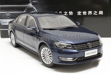 Blue 2011 1:18 Volkswagen German VW Passat Die Cast Model Car Metal Sedan Model Festival Gifts Mini Vehicle
