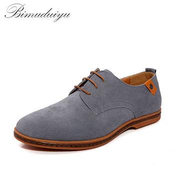 BIMUDUIYU Marque Design Minimaliste Véritable Daim En Cuir Hommes Occasionnels Chaussures Vente Chaude Plat de Style Britannique Oxford Chaussures Grande Taille 38-48