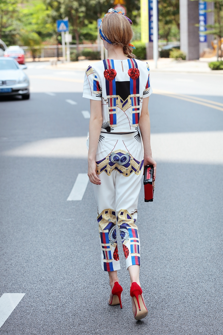 High Quality 17 Designer Runway Suit Set Women's Two Piece Casual Tops + Fashion Print Mid Calf Pants Set suit Free DHL Aramex 10