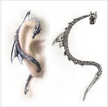 E113   Wholesales High Quality Western Exaggeration Dragon Chrome Ear Cuff Clip Earring