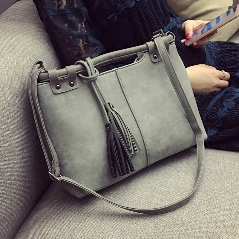 Women Messenger Bags 2017 Vintage Scrub Crossbody Bag Womens Leather Handbags Big Size Print Shoulder Bag Ladies Tassel Bags<br><br>Aliexpress