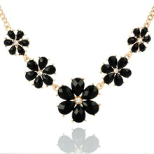 Hot Sales Black Imitation Crystal Flowers Charm Pendant Gold color Choker Chunky Necklaces & Pendants For Women 46.7cm