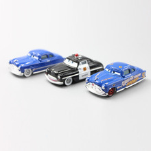 Pixar Cars 2 3pcs/Lot Doc Hudson & Sheriff 1:55 Alloy Car Alloy Model Car Superb Manufacturing Process Birthday Gift