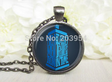 New Steampunk UK movie dr doctor who blue box police call bad wolf Necklace 1pcs/lot bronze silver Glass Pendant telephone booth