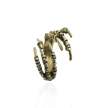 Free Shipping Bronze Plated Six Claw Rings For Women And Men Gothic Cool Talon Rings vintage Exaggerate Fashion Jewelry 2017 New