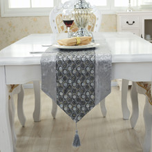 The new circle Sequin simple modern luxury gift table cloth stripes table runner bed towel