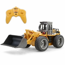 HuiNa Toys Electric Remote Control 520 Six Channel 1/14rc Metal Bulldozer Charging Rc Car Model Toy For Kids Toy Christmas Gift(China)