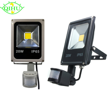 LED Flood lights 10W 20W 30W 50W Pir Motion sensor Outdoor Lighting Reflector Spot IP65 Floodlights Garden WallLamp(China)
