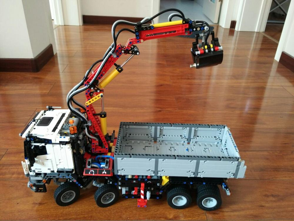 2016 New LEPIN 2793pcs 20005 technic series Mercedes-Benz Arocs Model Building Kit Blocks Bricks Toy Gift Compatible legeod<br><br>Aliexpress