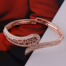 Top Quality Fashion Bangles Rose Gold colour Clear CZ Bangles Snake Animal styles Bracelet & Bangles Bijoux For Women(China)