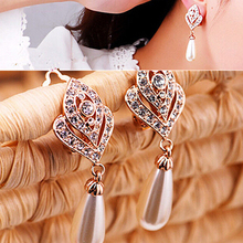New and hot!  Women's Fashion Elegant Waterdrop Faux Pearls Rhinestone Dangle Charm Earrings AISR