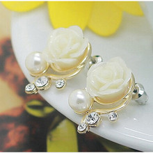 Fashion Rose Stud Earrings for Women Imitation Pearl Crystal Korean Style Earrings Pink White Color E080