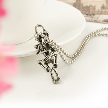 2016 Fashion Vintage Tibet Silver Two Embrace Skull Pendant Necklace Women Long Sweater Chain Ethnic Jewelry