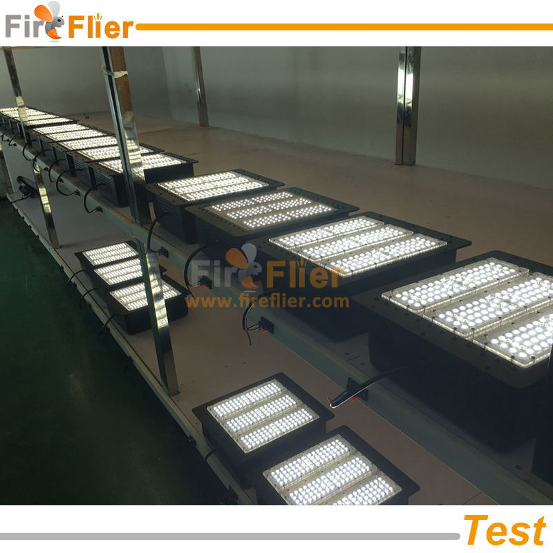 surface mounted led canopy light aging test