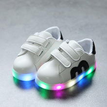 Girls Shoes Baby Hook Loop Kids Led Luminous Shoes Boys Glowing Sneakers Little Girls Children Princess with Colorful Lights 929