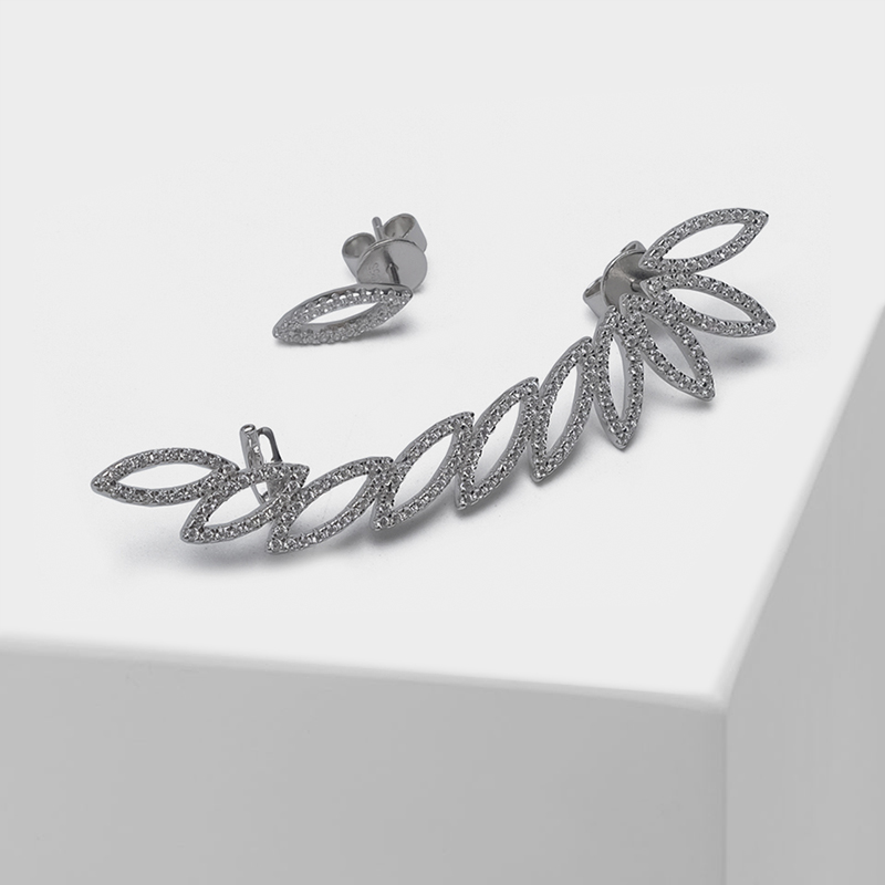 Local focal Leaf-shaped hollowed-out asymmetrical fashion drop earrings