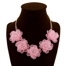 Fresh Crystal Short Fashion Women Acrylic Flowers Jewelry Choker Necklaces Five flower Necklace Popular Party Accessories
