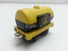 Thomas & Friends Yellow JET Fuel Tanker Magnetic Metal Toy Train Loose Brand New In Stock & Free Shipping