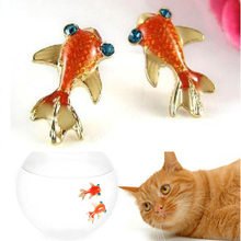 Charming Jewelry Accessories Small Goldfish Shaped Rhinestones Inlaid 1 Pair Ear Stud Gold color EAR-0219