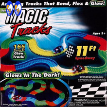 (A Toy A dream)Magic Tracks The Amazing Racetrack that Can Bend Flex Glow 11Ft As Seen on TV Children Kids Toys packing box