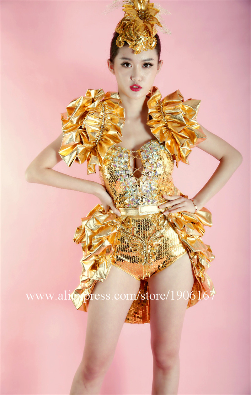 Nightclub female singer costume concert model studio theme party stage installation9